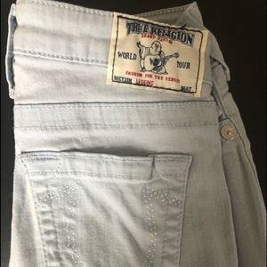 Light blue jeans with rinestone on back
